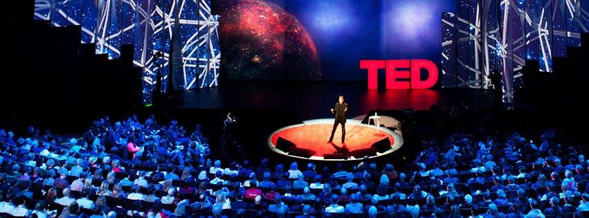 TED大會,是一個跨界的智庫,一個對話的平台,更是一個用想法改變世界的舞台。這三個字母分別代表的是科技、設計、娛樂